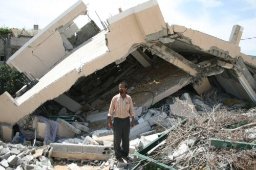 A Gaza engineer is lamenting the destruction of his house by the Israeli balldozers