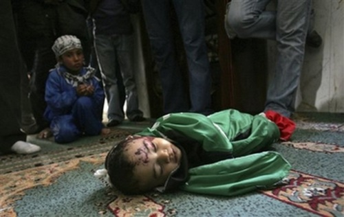 A little Palestinian child killed by the Israeli shelling against the Gaza Strip